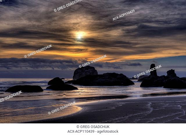 Sunset, Bandon Beach, Bandon, Oregon, USA