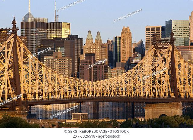 Queensboro Bridge, Manhattan skyline viewed from Queens, New York USA