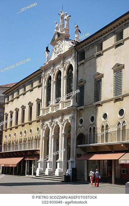 Vicenza (Italy): Piazza dei Signori, with the church of San Vincenzo, part of the Palazzo del Monte di Pietà
