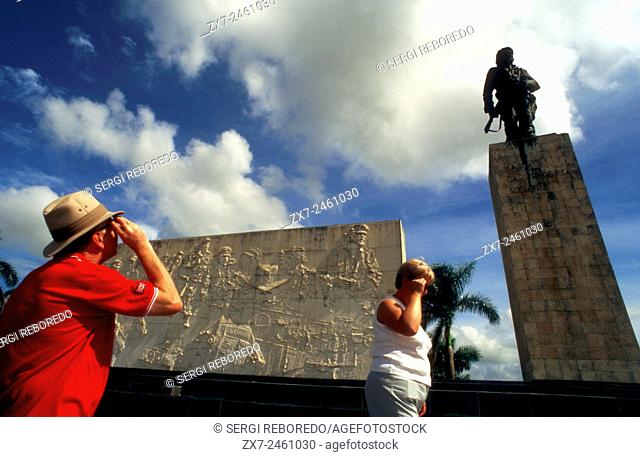 Tourists in Monument and mauseleum in honour of the national hero Che Guevara, Santa Clara, Cuba