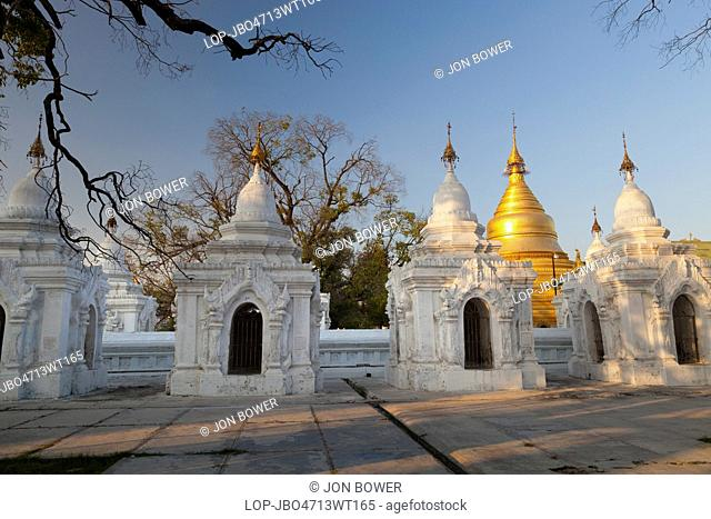 Myanmar, Mandalay, Mandalay. Late light at the Kuthodaw Pagoda in Mandalay in Myanmar