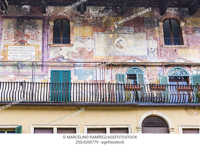 Frescoes at Casa Mazzanti on Piazza delle Erbe in Verona. Verona, Veneto, Italy, Europe