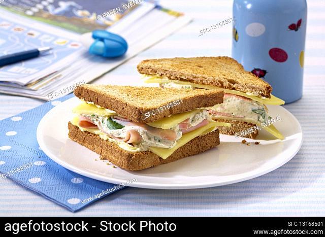 Toasted ham, quark and cheese toasties