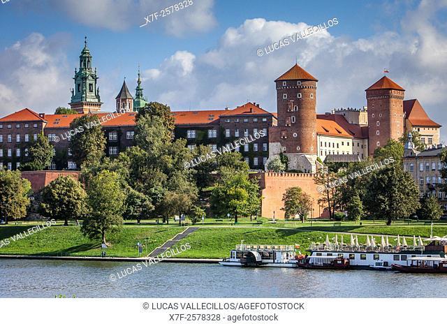 Wawel Royal Castle, Vistula Riwer , Krakow, Poland