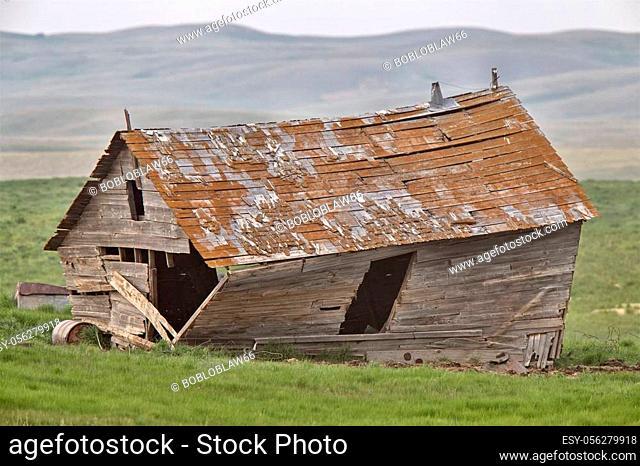 Abandoned Prairie Homestead in Saskatchewan Canada delapitated