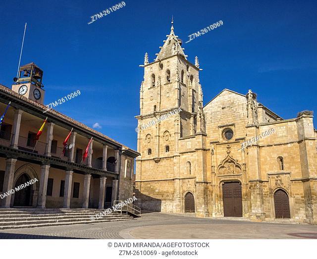 Iglesia de Santa María Magdalena y Ayuntamiento. Torrelaguna. Madrid. España