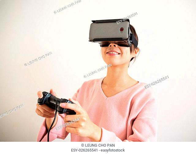 Woman play video game