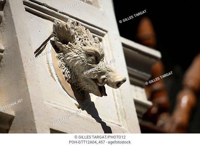 France, ile de france, paris 7e arrondissement, 14 rue vaneau, maison de 1835 neo renaissance, philibert delorme, architecture, decor, renovation
