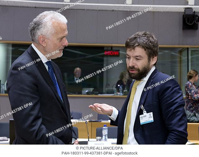 09.03.2018, Belgium, Brussels: Austrian Minister of justice Josef Moser (L) is talking with the Czech Minister of justice Robert Pelican (R) prior to a Council...