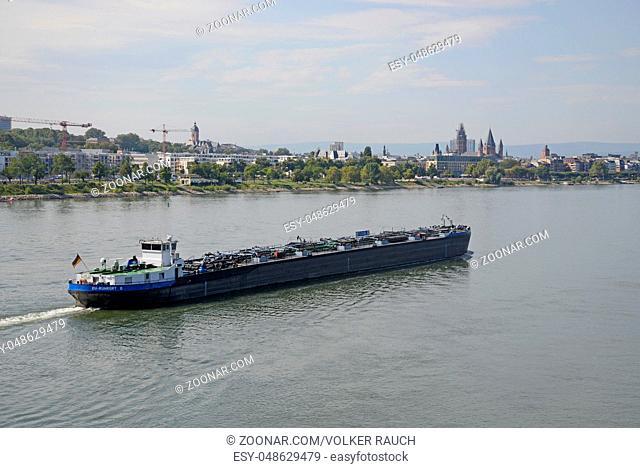 lastkahn, kahn, frachtschiff, schiff, Mainz,transport, fluss, stadt, rheinland-pfalz, deutschland, brd, transportschiff