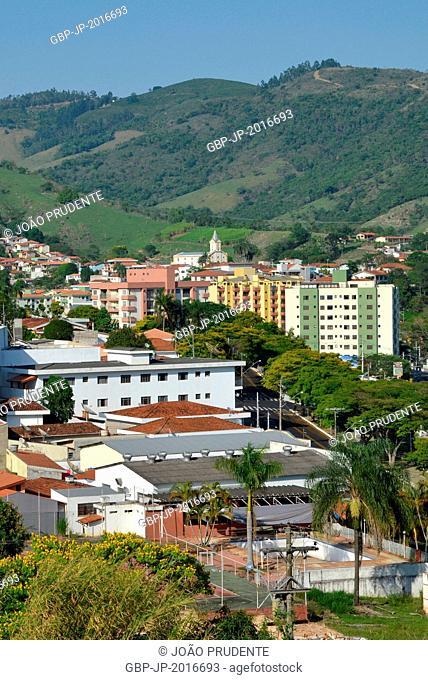panoramic view of the city in the background highlight the Parish Church and Our Lady of Brotas - 10/2015