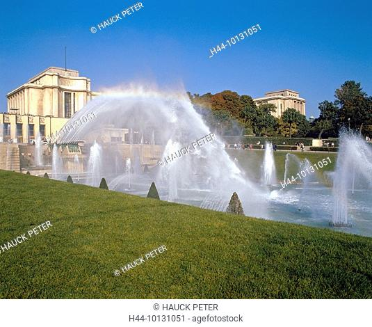 10131051, France, Europe, Paris, palace de Chaillot, park, water fountains