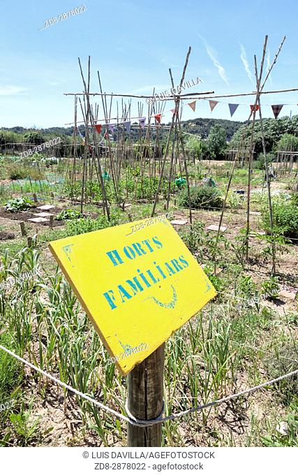 agroecological farm next to the Natural Area of the mouth of the river Gaià and the natural beach of Tamarit. By booking in advance