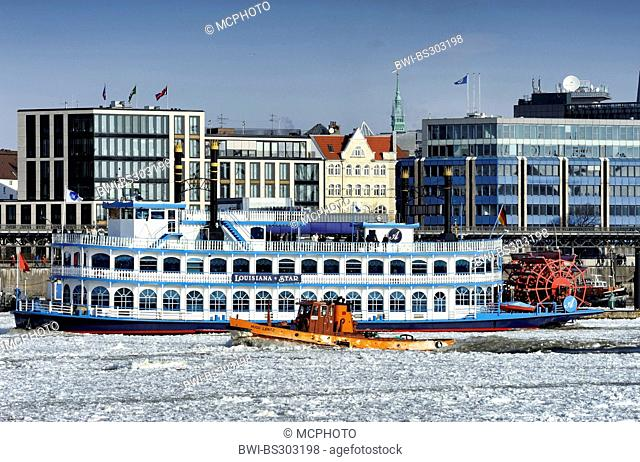 paddle wheeler Louisiana Star and icebreaker Hugo Lentz in winterly Port or Hamburg, Germany, Hamburg