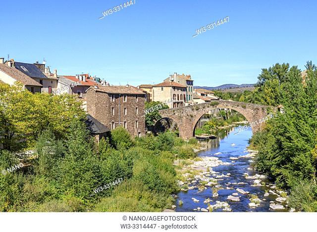 France, Aveyron, Parc Naturel Regional des Grands Causses (Natural regional park of Grands Causses), Camares, village and the Vieux Pont dated 11th century on...