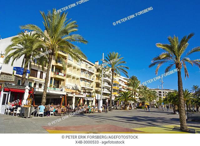 Passeig Maritim, Paseo Maritimo, harbourside promenade, Port d'Alcudia, Mallorca, Balearic islands, Spain