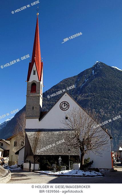 Parish Church, Uttenheim, Tauferer Tal valley, Valli di Tures, Alto Adige, Italy, Europe