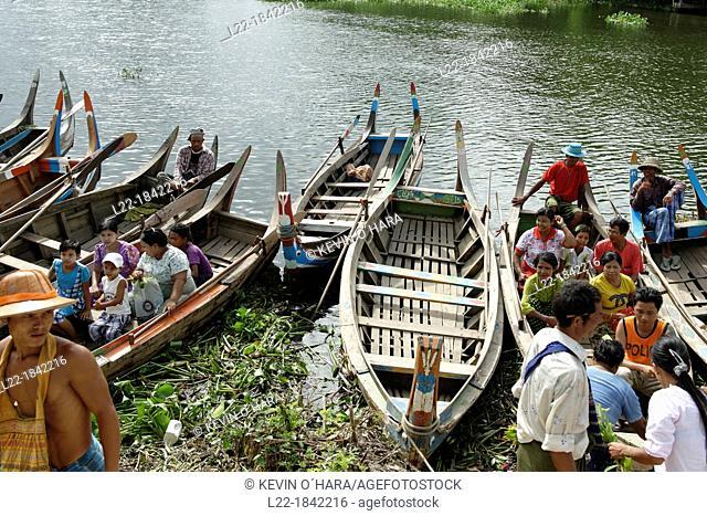 Lake Taungthaman  Amarapura  Mandalay Division  Burma  Republic of the Union of Myanmar
