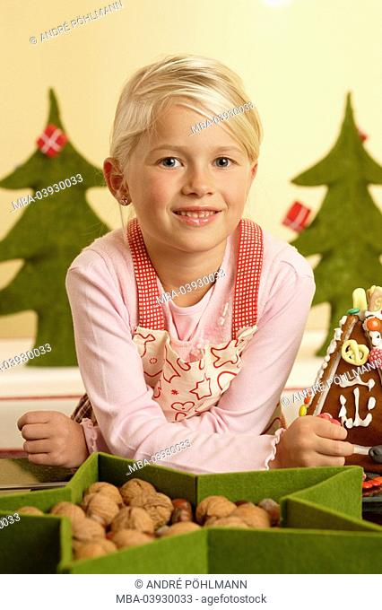 advent, girl, gingerbread-house, handicrafts
