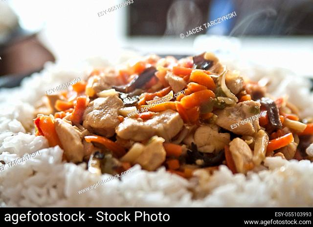 chicken in Chinese with vegetables with rice