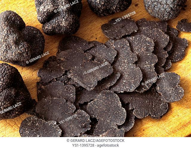 Perigord Truffle, tuber melanosporum, Mushrooms cut in thin Slices