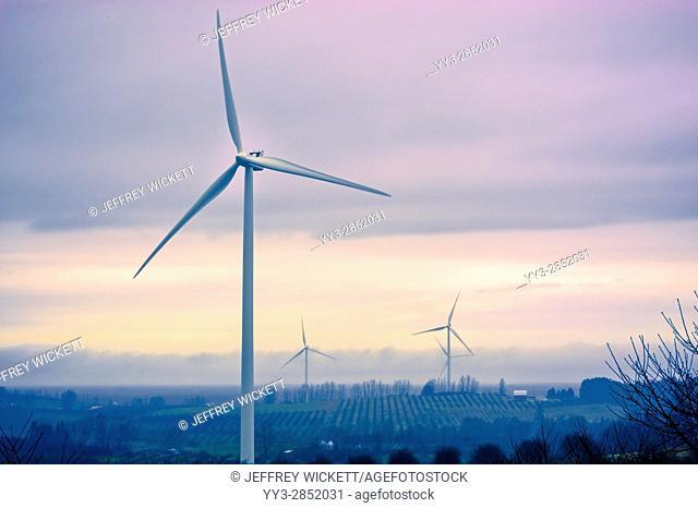 Consumer's Energy Lake Winds(100 megawatt) wind turbines near Ludington, Michigan, USA