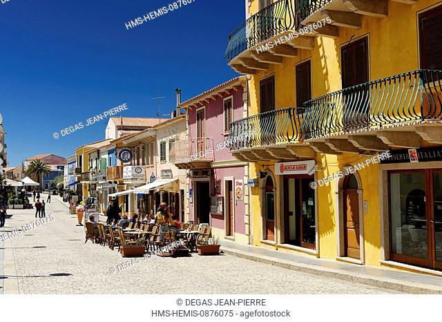 Italy, Sardinia, Olbia Tempio Province, Santa Teresa Gallura, Via XX Settembre, row of shops on a pedestrian street in the historic center