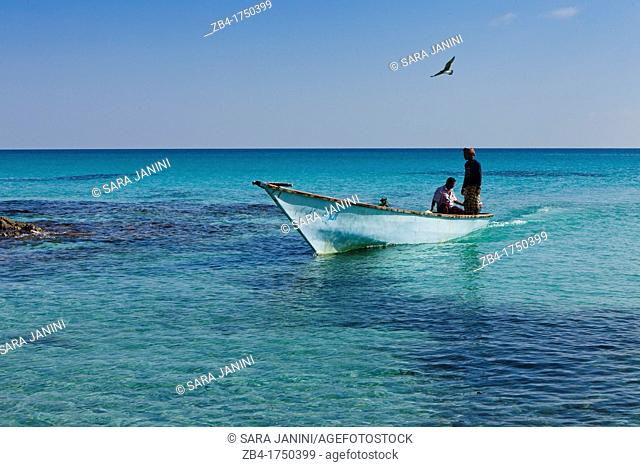 Fishermen, Erher, east coast, Socotra island, listed as World Heritage by UNESCO, Aden Governorate, Yemen, Arabia, West Asia