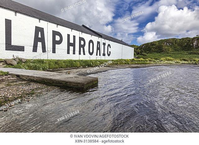 Laphroaig distillery, Islay, Inner Hebrides, Argyll, Scotland, UK