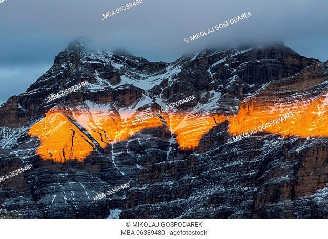 Rifugio Lagazuoi, lagazuoi, passo falzarego, sunset, sun, mountain sunset, tofane, resort Cortina d'Ampezzo, gospodarek mikolaj, italy, alps, dolomites
