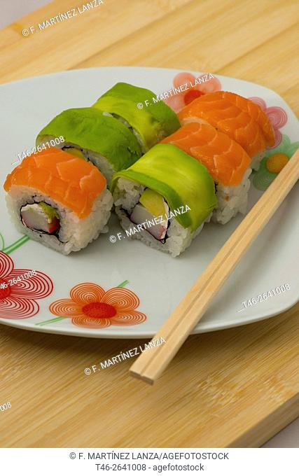 Uramaki sushi Salmon and Avocado