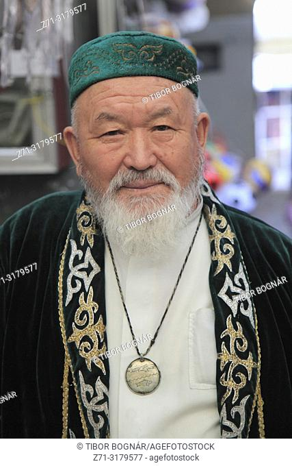 Kazakhstan; Almaty, old man, portrait,