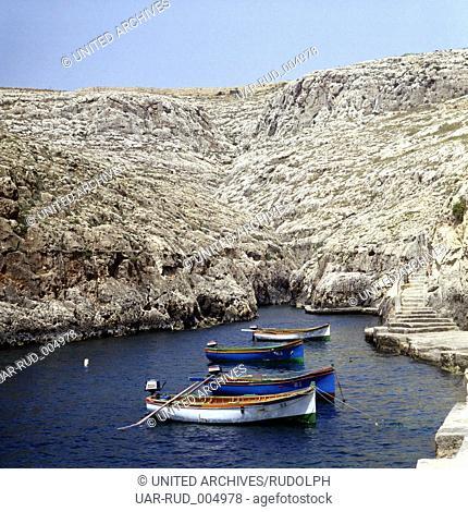 Reise Nach Malta. Die Blaue Grotte, Wied iz-Zurrieq, 1975. Travel to Malta. The Blue Grotto, Wied iz-Zurrieq