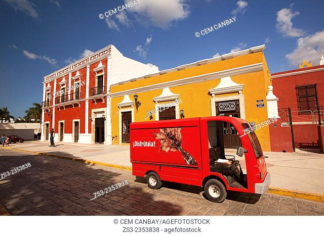 Street scene from the historic center of Campeche, Campeche Region, Yucatan, Mexico, Central America