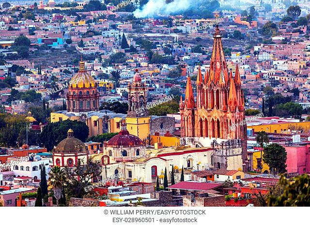 San Miguel de Allende, Mexico, Miramar, Overlook Parroquia Archangel Church Close Up, Churches Houses