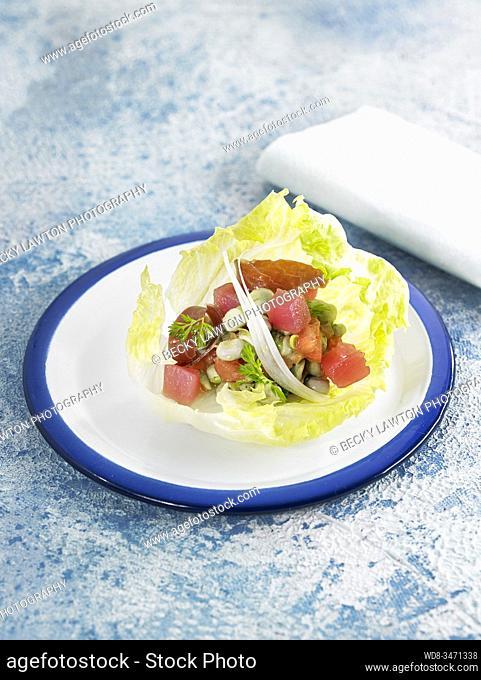 ensalada de habitas / broad bean salad