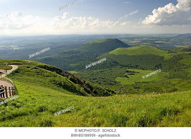 view from Puy de Dome onto the volcanic landscape Chaine des Puys', France, Auvergne