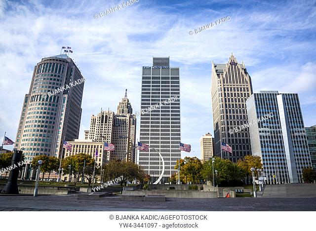 Philip A. Hart Plaza with the skyline of the Financial District in Detroit, Michigan, USA