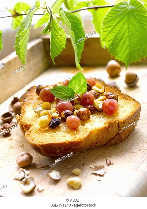 Brioche with Chasselas grapes and hazelnuts