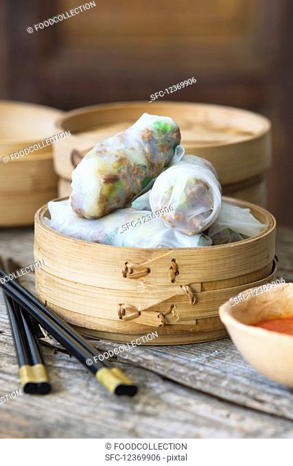Stuffed rice paper rolls (Asia)