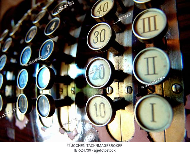 DEU, Germany : buttons of an old fashioned cashier