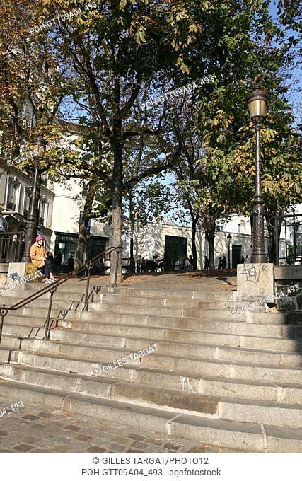 tourism, France, paris 18th arrondissement, butte montmartre, place emile goudeau, square, stairs, streetlamp Photo Gilles Targat