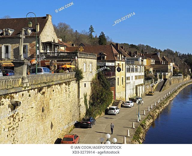 river front, Le Bugue, Dordogne Department, Nouvelle Aquitaine, France