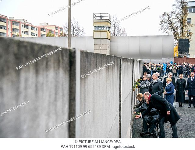 09 November 2019, Berlin: Axel Klausmeier, Director of the Berlin Wall Foundation, (from front to back), Wolfgang Schäuble, President of the Bundestag
