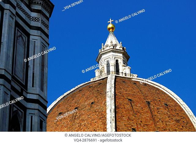 Overhead view of the Duomo Santa Maria Maggiore and town of Florence, Tuscany, Italy
