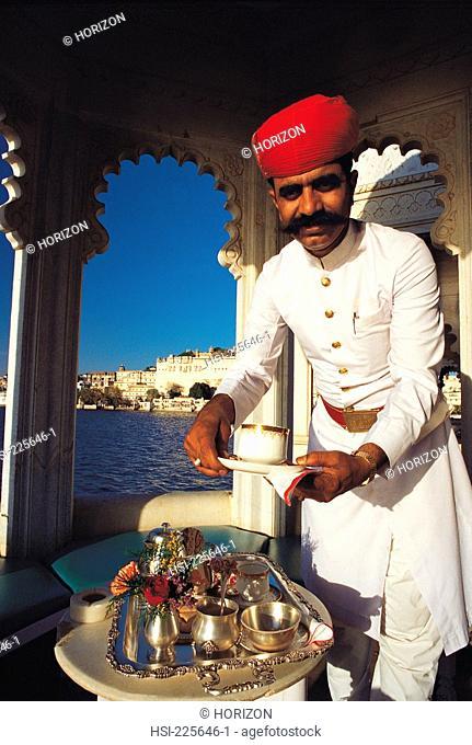 India, Himachal Pradesh, Udaipur, Lake Palace Hotel, Waiter, Afternoon tea