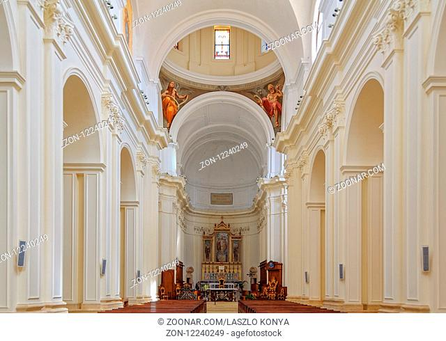 The interior is now simply painted white as the 18th century interior decoration was destroyed in the collapse of a large part of the Cathedral in 1996 - Noto
