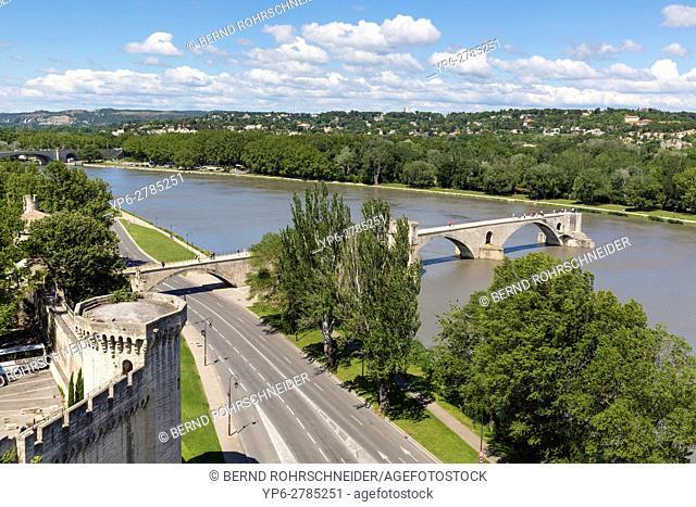 Pont dâ. . Avignon or Pont Saint-Bénézet over Rhône, Avignon, France