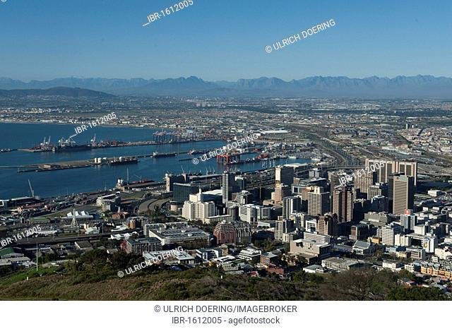Table Bay and downtown Cape Town, Western Cape, South Africa, Africa