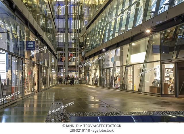UK, London, EC4 M-high-end retail stores and restaurants at One New Change shopping Complex